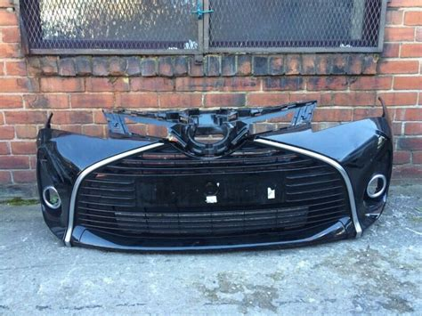 toyota yaris   genuine front bumper  sale