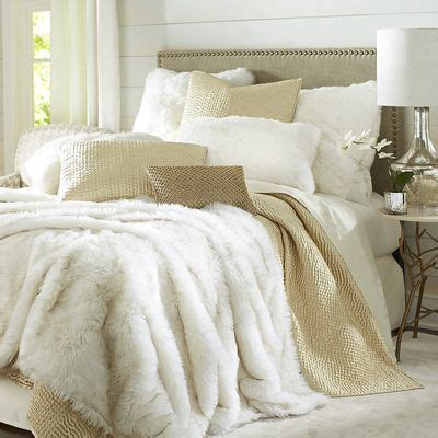 canapé king size best 25 gold bedding ideas on bedroom
