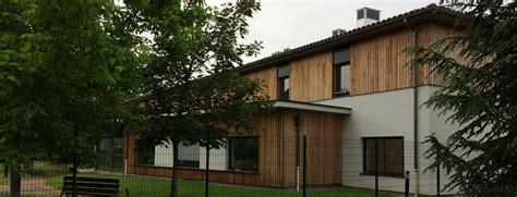 une maison de retraite ehpad en centre ville avec parc privatif