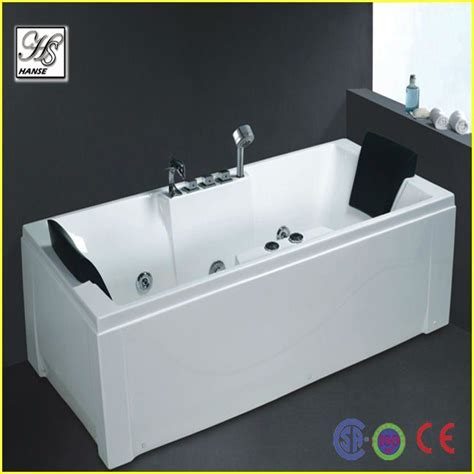 Small Bathtub Price by 25 Best Ideas About Bathtub Price On Small