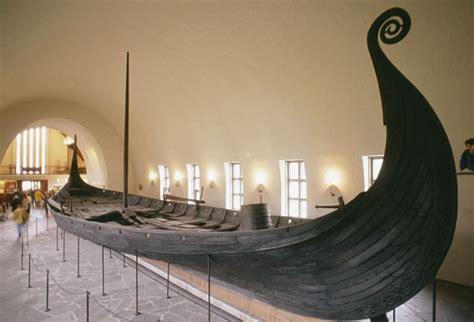 Viking Longboat Bed by The Oseberg Viking Ship Burial Archaeology