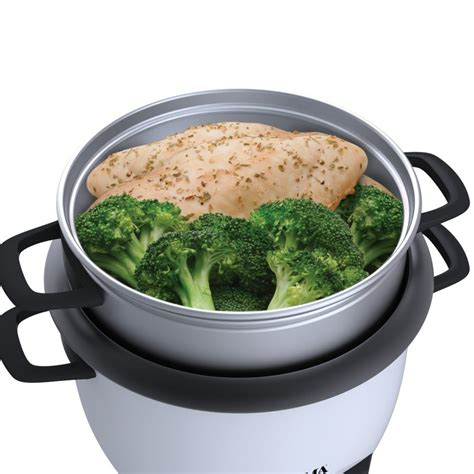 cuisinart home cuisine steamed chicken and broccoli in aroma white 6 cup pot