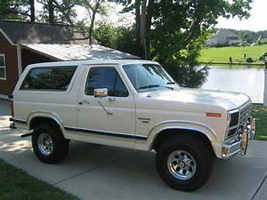 TopWorldAuto >> Photos of Ford Bronco XLT - photo galleries
