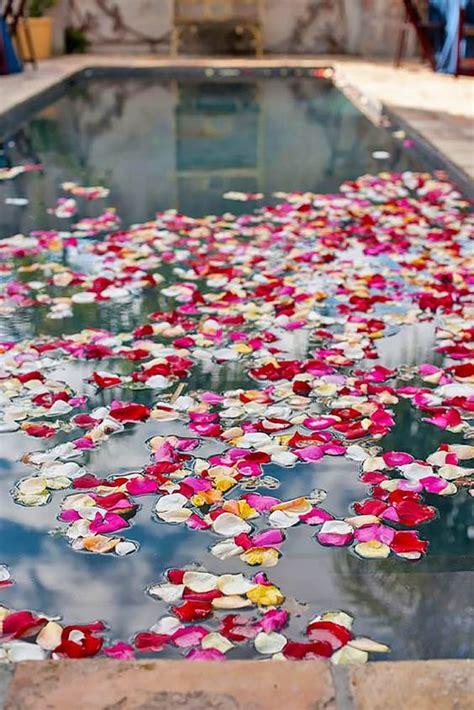 inspiring  fresh poolside wedding ideas weddingomania