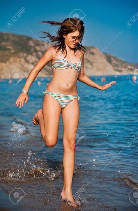 teen girls beach bikinis saksji