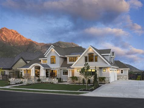 craftsman style house plan  beds  baths  sqft plan