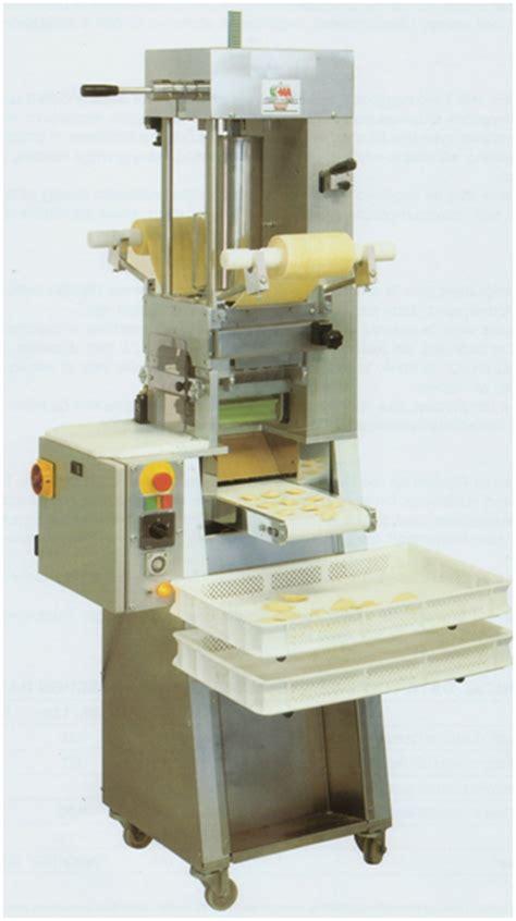 machine a ravioli machine a pates ravioli raviolatrice automatique