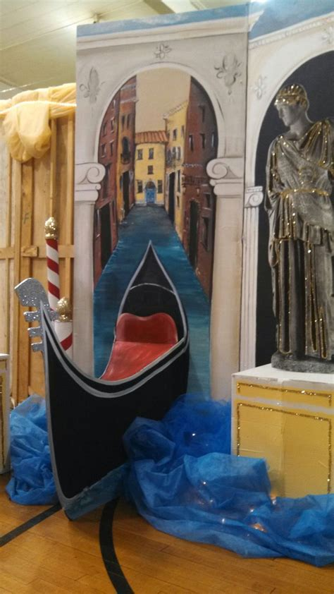 italian themed prom party decorations  blew  statue