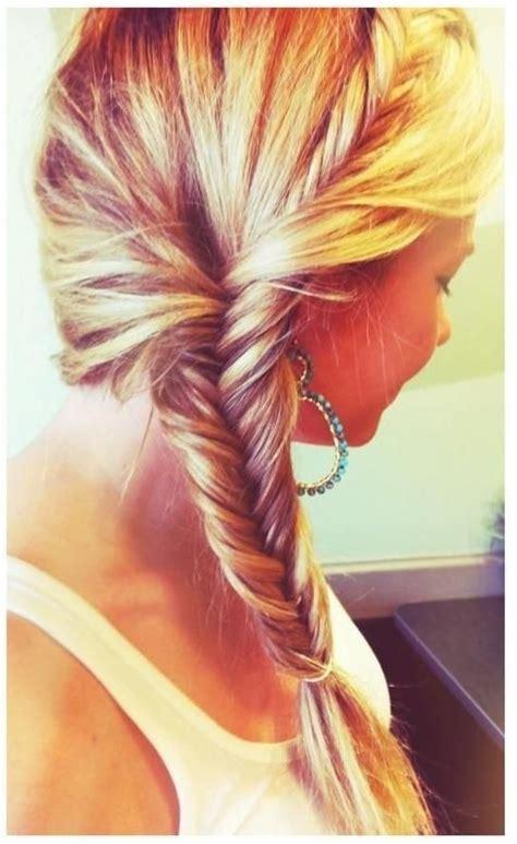 20 cute lively hairstyles for medium length hair