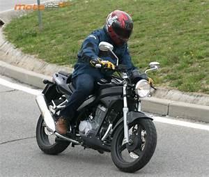 125 Daelim Roadwin : pruebas daelim roadwin 125 fi a lo grande moto 125 cc ~ Gottalentnigeria.com Avis de Voitures