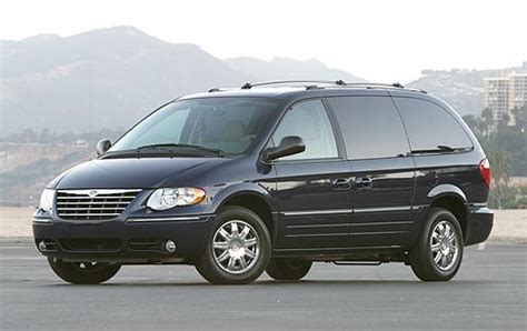 electric power steering 2005 chrysler town country seat position control used 2005 chrysler town and country minivan pricing for sale edmunds