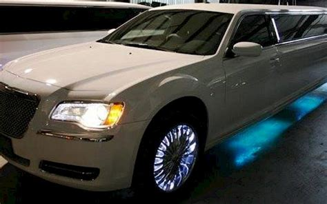 Cheap Chrysler 300 by Chrysler 300 Limousines Best Limo Rentals Cheap Prices