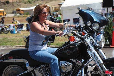 women motorcyclist  canada riding real bikes mojo magazine