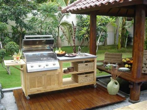 meuble cuisine exterieure bois la cuisine d 39 été le choix idéal pour un repas à ciel ouvert