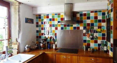cr馘ence cuisine carrelage faience en verre pour cuisine maison design bahbe com