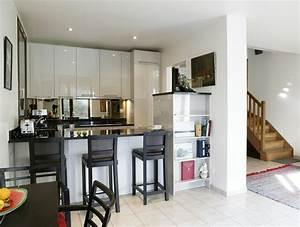 Agrandir une petite cuisine couloir inspiration cuisine for Cuisine avec salle a manger intégrée pour petite cuisine Équipée