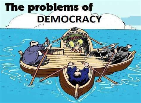 advantages  disadvantages  democratic leadership