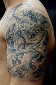 Drachen Tattoo Oberarm : hanz krieger mit drachen fertig o tattoos von tattoo ~ Frokenaadalensverden.com Haus und Dekorationen