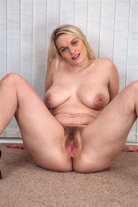 Pyzda Pussy Pin 57202069