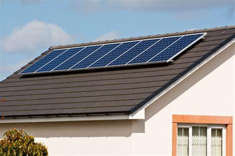 Solaranlagen Auf Dem Dach Gefahren Und Probleme by Solarzellen Auf Dem Dach Energiekonzepte F 252 R Das Landhaus