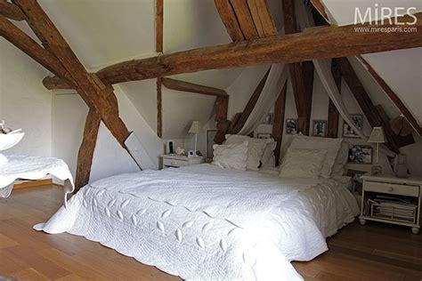 chambre d h e puy du fou beautiful chambre avec poutres apparentes pictures