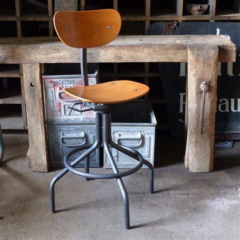 chaise d atelier superbe chaise d 39 atelier pivotante en métal et bois