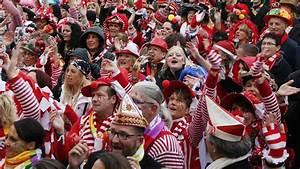 Messe Rheinberg 2018 : kirche leben karnevals messe mit k lschen liedern in rheinberg ~ Eleganceandgraceweddings.com Haus und Dekorationen