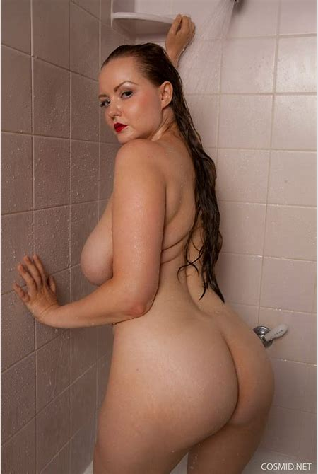 Natasha Dedov Steamy Shower for Cosmid - Curvy Erotic