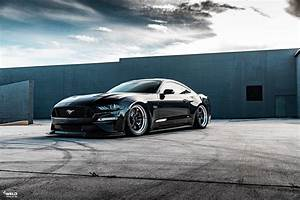 Black Bagged Ford Mustang S550 - WELD S71 Wheels
