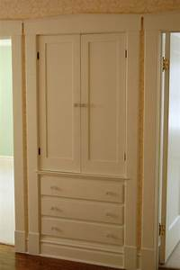 Built In Linen Closet - WoodWorking Projects & Plans