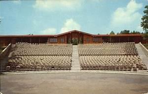 Cliffside Amphitheater  Grandview State Park