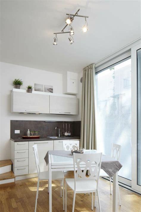 amenager petit salon avec cuisine ouverte cuisine pour studio comment l 39 aménager