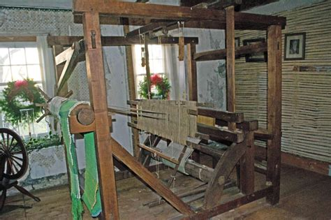 Old Fashioned Loom - Lifestyle & Culture Photos - Hudson ...