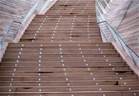 beläge für treppenstufen innen material treppenstufen innen gel 228 nder f 252 r au 223 en