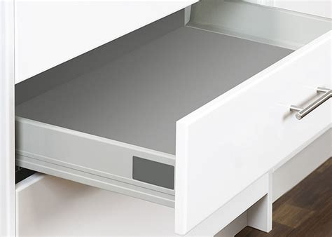 kitchen cabinet drawers with metal sides choosing metal sided drawers kaboodle kitchen 9107