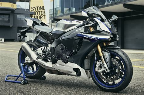 Yamaha Freego Wallpaper by 2017 Yamaha Yzf R1 Yzf R1m Gets New Shades