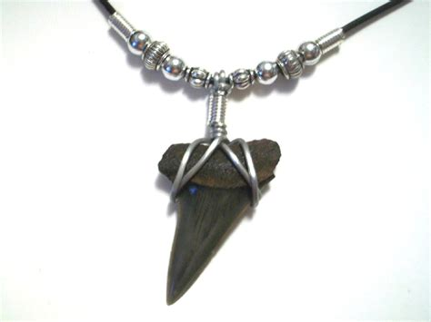 How To Make A Shark Tooth Necklace Pinteres