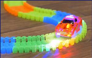 Magic Tracks Review – A great toy that lights up
