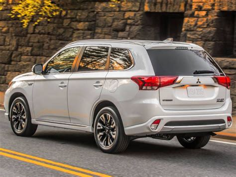 Mitsubishi Outlander Plug Hybrid Road Test