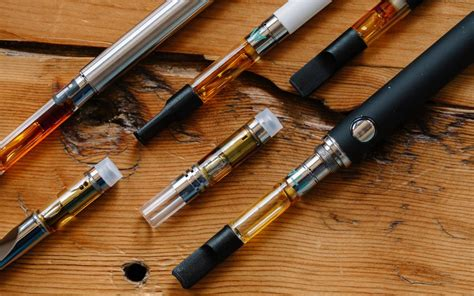 Here's How To Buy And Review Vape Carts