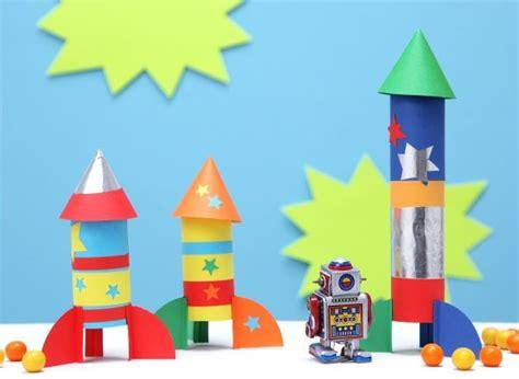 diy mit kindern raketen papprollen weltraum diy basteln mit kindern kindergeburtstag produziert f 252 r