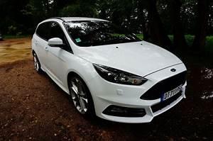 Focus St Sw : ford focus st sw 10 en voiture carine ~ Medecine-chirurgie-esthetiques.com Avis de Voitures