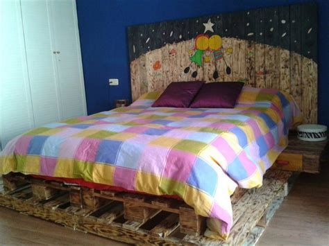 DIY Recycled Pallet Bed Ideas   Pallet Wood Projects
