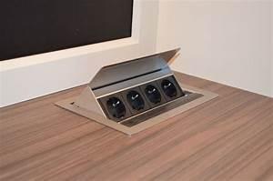 Steckdosen Für Badezimmer : arbeitsplatte mit versenkbaren steckdosen home ~ Lizthompson.info Haus und Dekorationen