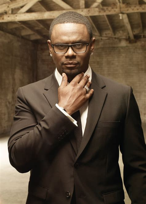 CELEBRATE LOVE WITH CARL THOMAS THIS VALENTINE'S DAY