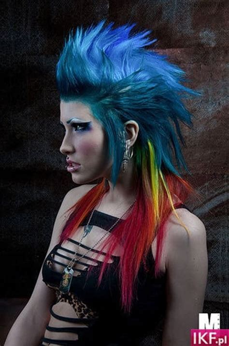punk hairstyles    stand    crowd