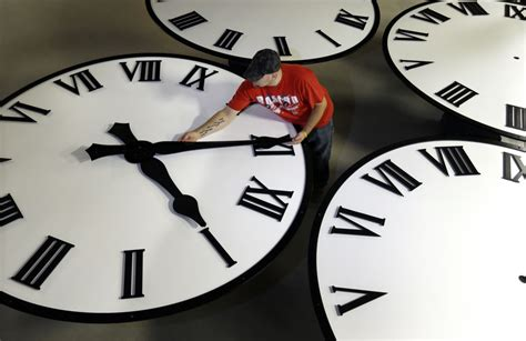 When do clocks fall back in 2020? When is Daylight Saving ...