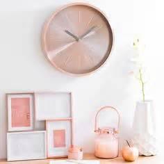 maisons du monde les horloges beautiful album et étages épinglé par deco fer sur horloge métal