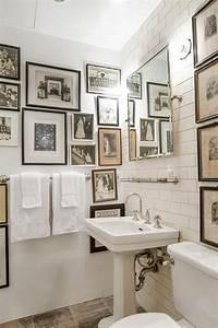 Classic bathroom wall art decor for Wall plaques for bathroom