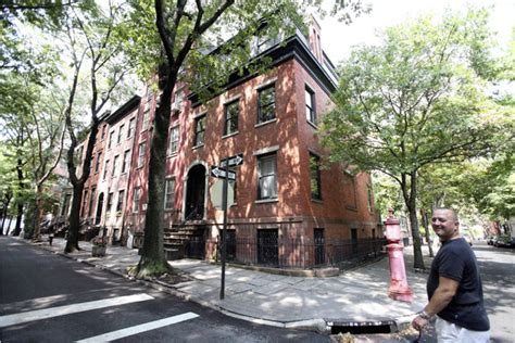 owner sells moonstruck house  brooklyn heights